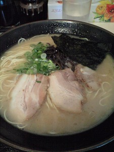 徳島らーめん「うちだラーメン」、スープが美味しいな~(^^♪